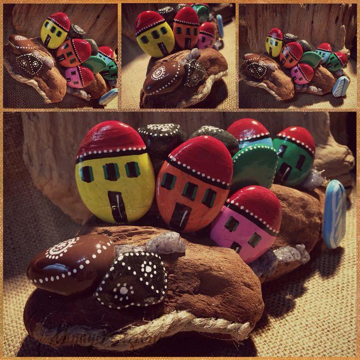 mini paesino rock painted