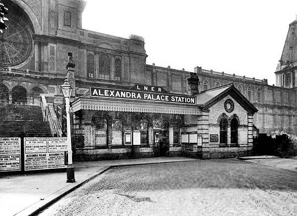 Disused Stations: Alexandra Palaces Station