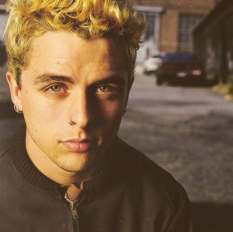 this picture of billie joe armstrong is so beautiful I actually started crying