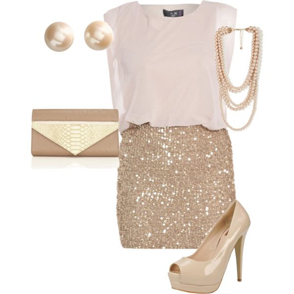 Fabulous look for New Year's Eve and Girls Night Out...show me the bling!!