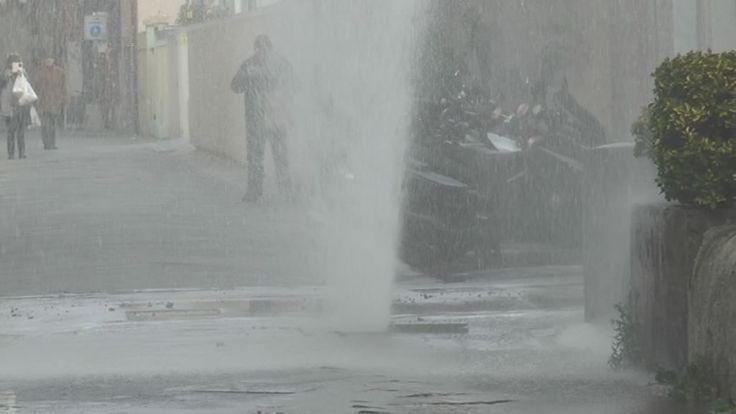 #chiavari #protezionecivile – 19 Gennaio 2017 Una vera e propria doccia fredda per quanti si sono trovati a passare in Via Filippini a Chiavari nella tarda mattinata di quest'oggi. Un idrante, uti…