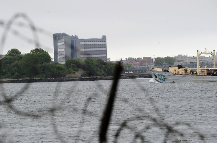 A mentally ill vet overheated in his cell.Three Rikers Island Officials Punished for Inmate's Death
