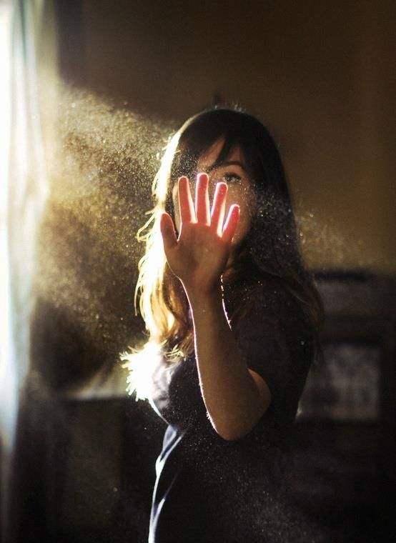 Dust Mood Emotion Light Sunlight Sunbeam Window Hand Through See Blood Pose  Brunette Women Female Girl Photography