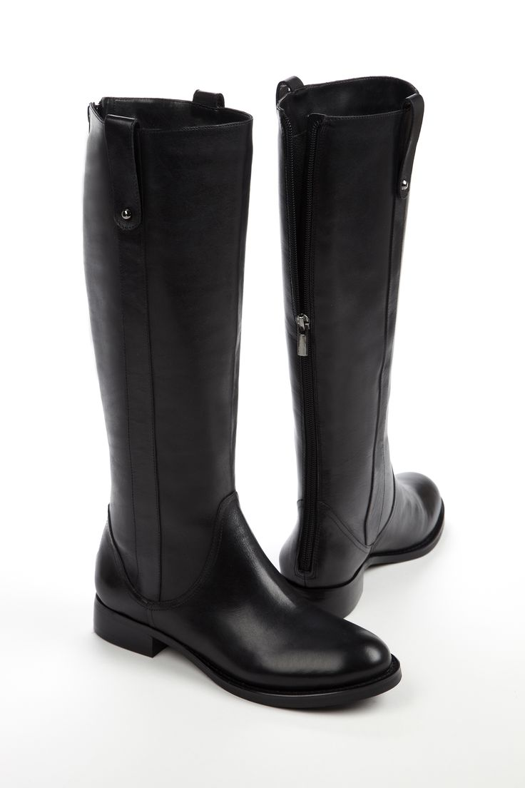 My life would not be complete without my blackboots...............