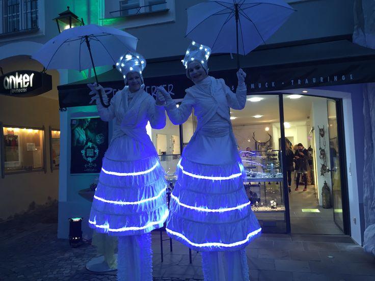 WIR HABEN ALLES, WAS KEINER HAT... ❤️ #schmuck #uhren #trauringe #trends #accessoires #schmucktrends #trendschmuck #stadtplatz #schmuckliebe #schmucktrends #jewelry #kaufdichglücklich #jewelrymakestheoutfit #coolbrands #shoppingheaven #staytuned #jewelrystyles #trendwelle #ONLINESHOP ≫≫≫ www.schmuck-reichenberger.de ❤️