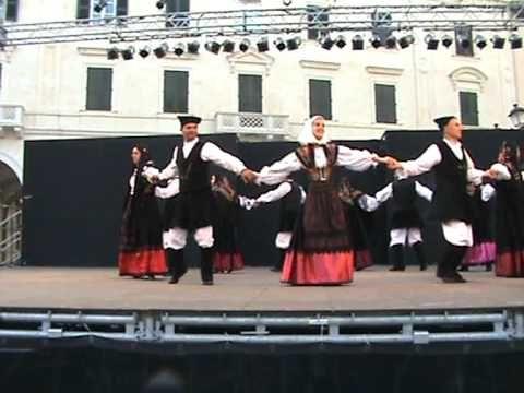 Il Gruppo Folk di Collinas alla Cavalcata Sarda 2009