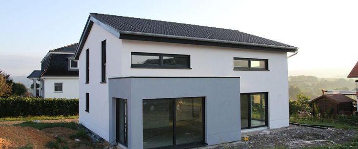Fassade weiß - grauBlau