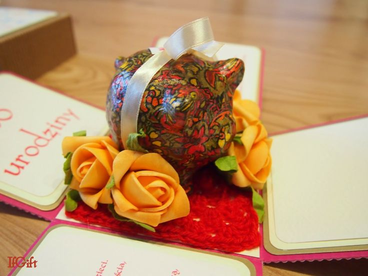 IfGift...: box with pig