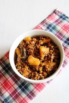 Matki chi usal recipe - made from sprouted moth beans, boiled potatoes and flavored with goda masala.