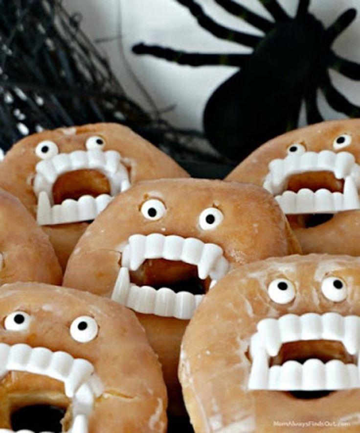 Foto: Snel en makkelijk, donuts met plastic gebitjes en snoepoogjes. Geplaatst door pipppi op Welke.nl