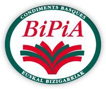 Gastronomie basque à base de Piment d'Espelette : conserves, vin basque, fromage de brebis et charcuterie - Bipia