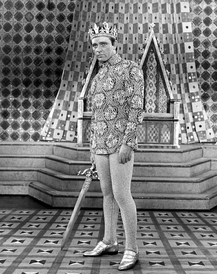 Richard Burton King Arthur Camelot