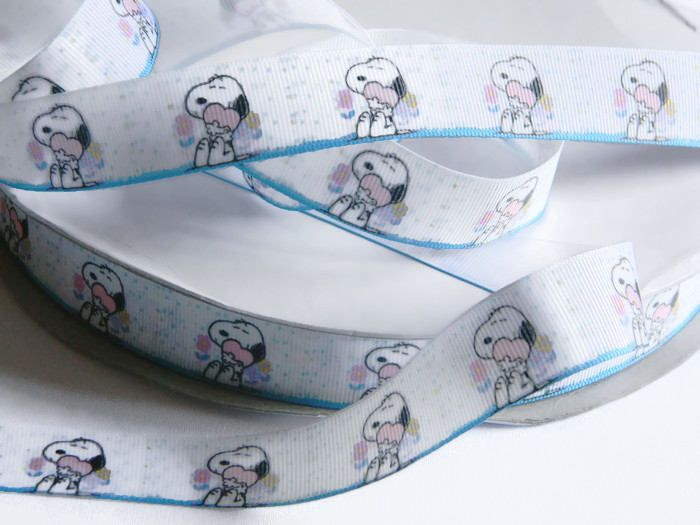 "Snoopy Ribbon Grosgrain 5 yards of 7/8"" White Ribbon with Snoopy Beagle Dog and Hearts Birthday Party Favor Ties Hair Bows Peanuts Comics by HouseofHairDecor on Etsy"
