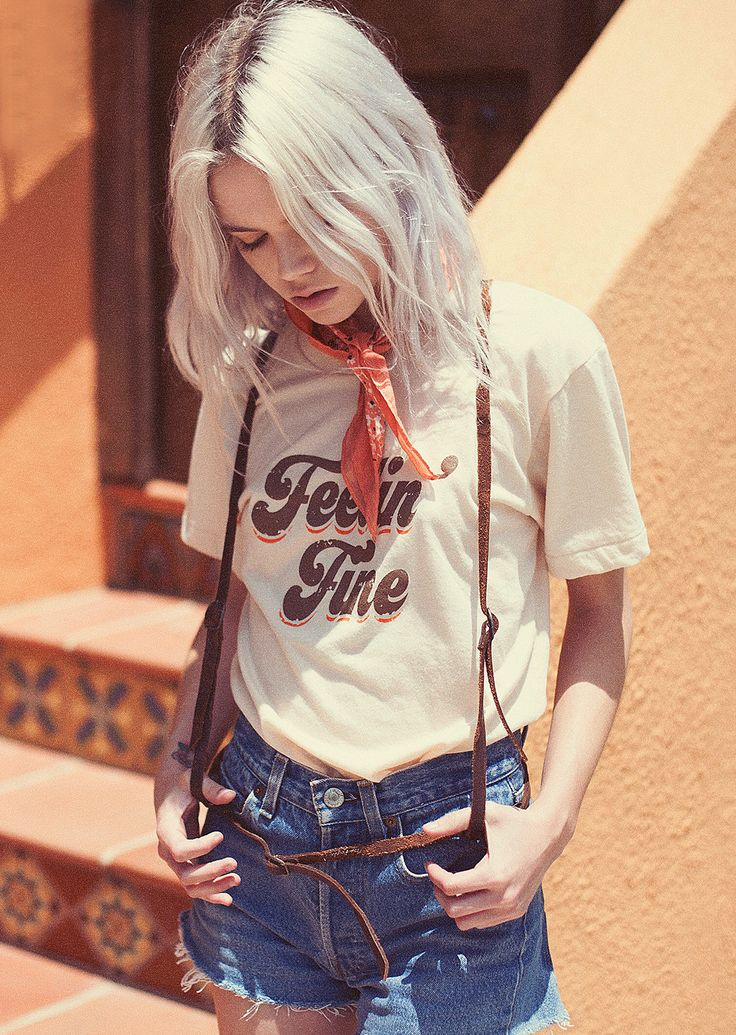 Our feelin' fine tee is printed on a soft cream tee, with 70's inspired brown and orange print. Super soft poly/cotton fabric. Unisex fit. We suggest women order a size down from your normal size. - 5