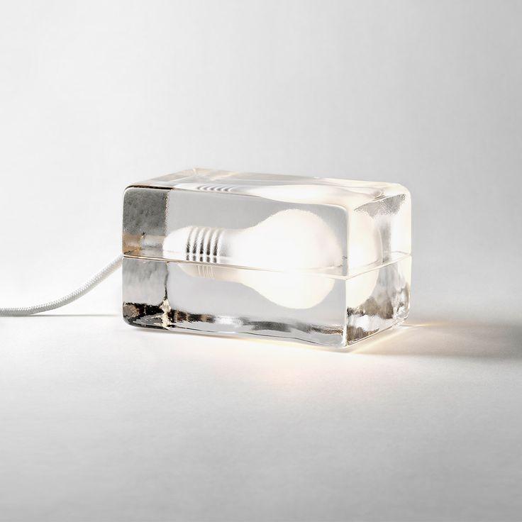 Design House Stockholm Tischleuchte Block Lamp LED weiß online kaufen ➜ Bestellen Sie Tischleuchte Block Lamp LED weiß versandkostenfrei für nur 189,00€ im design3000.de Online Shop!