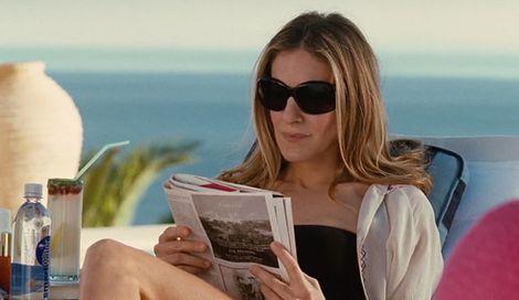 Che sia un libro o una rivista, leggere è il modo migliore per passare del me-time di qualità. Un romanzo ti porta in un altro mondo, un saggio ti fornisce spunti di riflessione, una rivista ti dà informazioni e Cosmopolitan... ti accende la vita!   -cosmopolitan.it