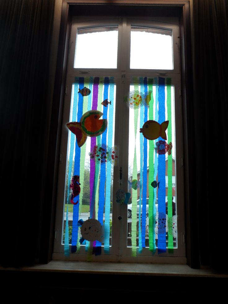 MUSICAL ==> De mooiste vis van de zee (decor gemaakt met collega's en kleuters) Raamdecoratie