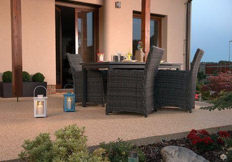 Drcený italský mramor dodá zahradě exkluzivní vzhled a pro svou odolnost je ideálním materiálem jak pro zahradní cestičky, tak pro okolí bazénů či příjezdové cesty. Cena podle typu kolem 500 Kč/m^2 ; Topstone