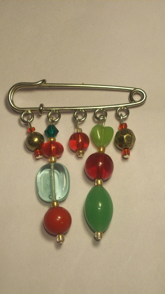 Kilt Pin Red Green and Gold Brooch by Michelleshandcrafted on Etsy, £8.00