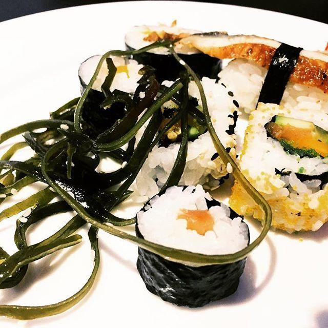 SUSHI, SUSHI 🍣 YAM YAM YAM  Auch in Lüdenscheid kann man endlich lecker Sushi essen... wurde auch höchste Zeit! #sushi #sushitime #sushi🍣 #sushirestaurant #sushibar #luedenscheid #lüdenscheid #food #foodie #restaurant #food🍴 #foodblogger #essen #fish #blogger_de #elisazunder #jointeamelisazunder