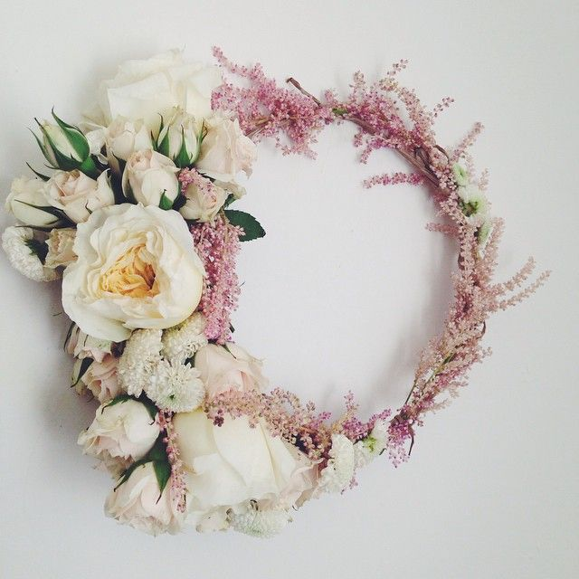 Amazing fresh floral crowns, diadems, tiaras from this L.A. floral artist. Add a few Art Deco diamond clips to the sides in the back. She has 27 different combinations to choose  from. All are stunning! #crown #tiara #flowergarland
