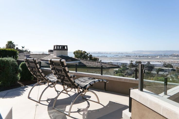 Stunning Home W/ Pool & Ocean Views - Houses for Rent in San Diego