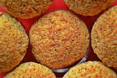 Coconut muffins with a hint of almond