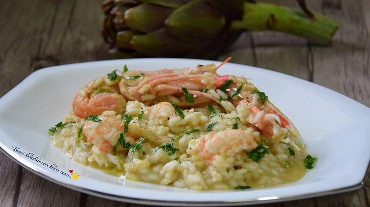 Una squisitissima ricetta da utilizzare in vista delle festività natalizie: il risotto con scampi e crema di carciofi. Un piatto dai sapori piacevolissimi!