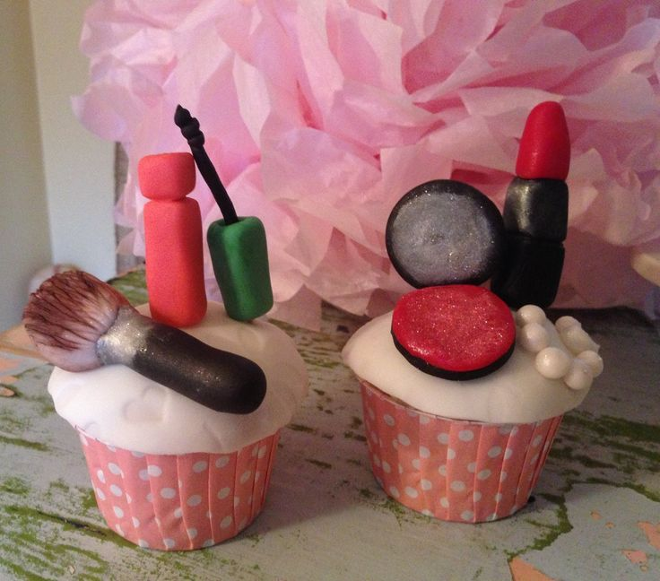 how to make a lipstick from fondant