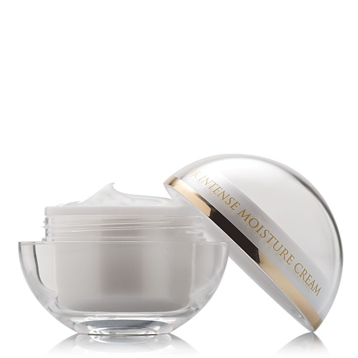 Price: £129.00 Application : Morning daily use on freshly cleansed skin. Gently massage into skin a circular motions.