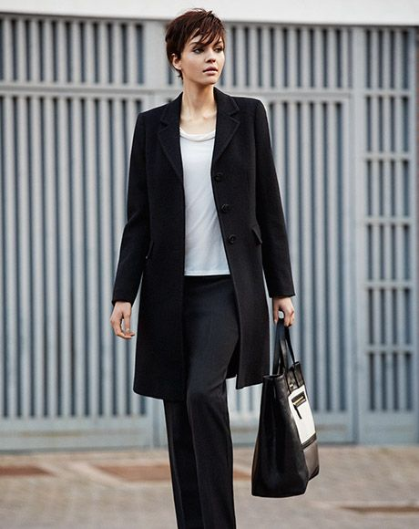 coat GIUDA, tshirt ESPORTO, trousers GALIZIA, bag OSANNA, loafers ADORNO