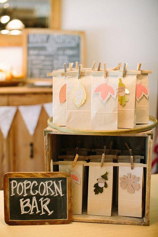 Una sencilla idea para los regalitos para una fiesta otoño, o para las palomitas, claro... / A simple idea for the autumn party gifts, or for the popcorn, of course