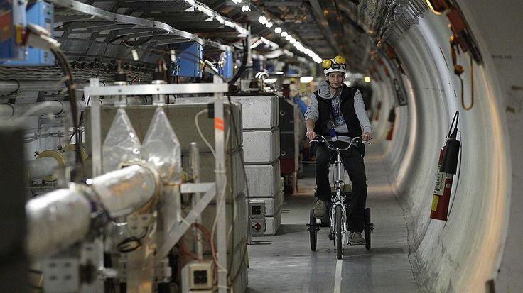 Большой Адронный коллайдер(БАК).Длинна 26 659м.