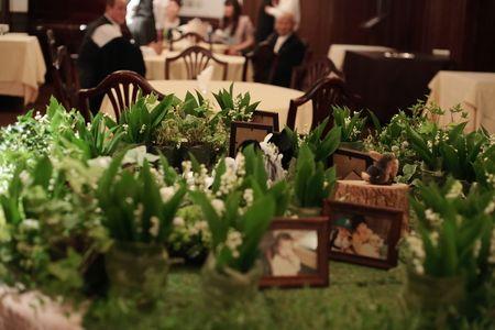 スズランのメモリアルテーブル シェ松尾青山サロン様の装花 : 一会 ウエディングの花