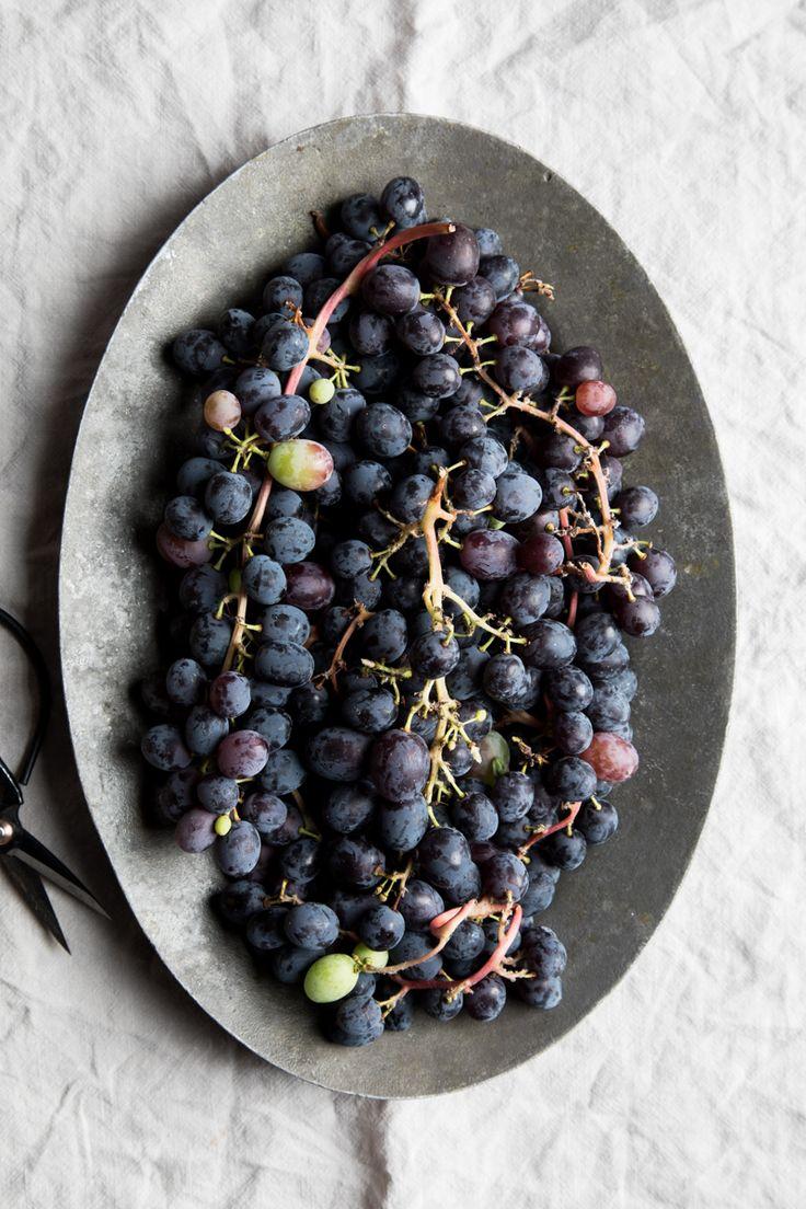 Flourishing Foodie: Roasted Grape and Ricotta Crostini