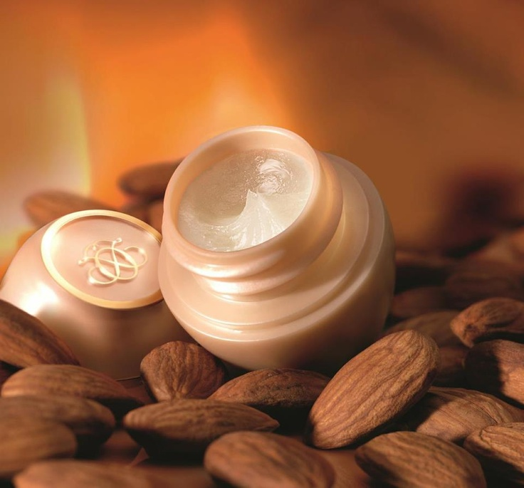 Tender care almond by Oriflame - special edition holidays 2012