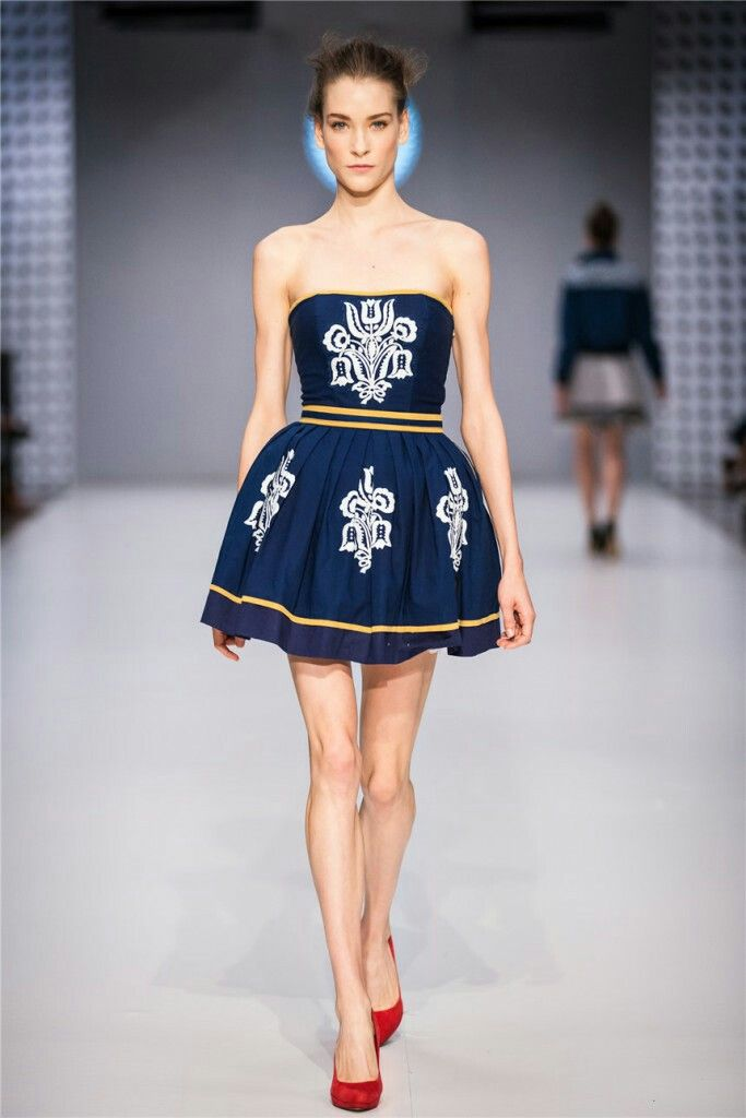 CENTRAL EUROPEAN SHOWS / BUDAPEST / JANA GAVALCOVA / TRUE BLUE / folk dress