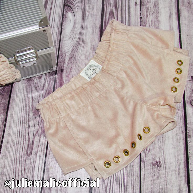 Women's shorts|Women's pink shorts|Short shorts|Low waist shorts|Velvet shorts|Sexy shorts|Mini shorts|Girls shorts|Hot pants|Boho shorts|Beach shorts|Beach clothing|Velvet clothing women