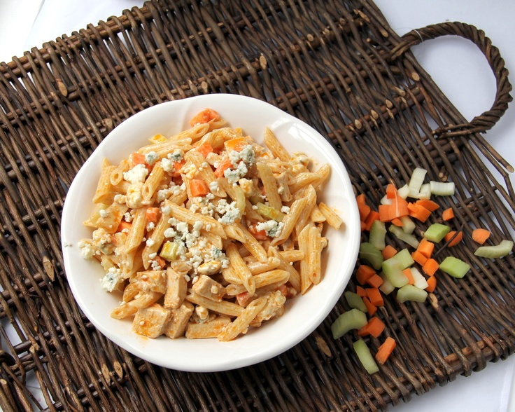 Buffalo Chicken Pasta salad, I think I'm going to make this for dinner...