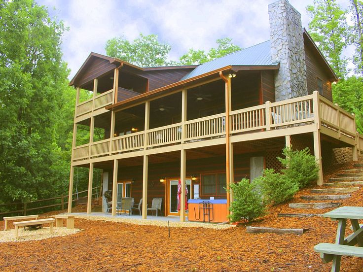 $215/night Foxfire Estates Cabin  3 Bedrooms w/ king beds + Convertible bed(s), 3 Baths, (Sleeps 6-12)