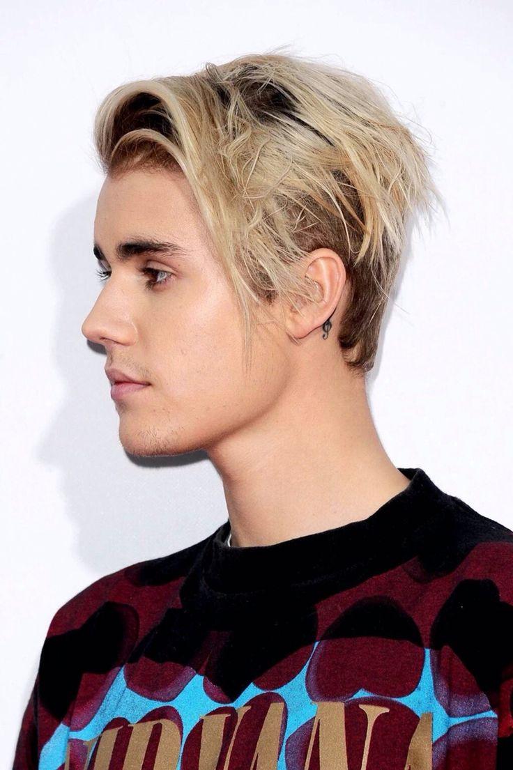 Justin Bieber AMAs 2015