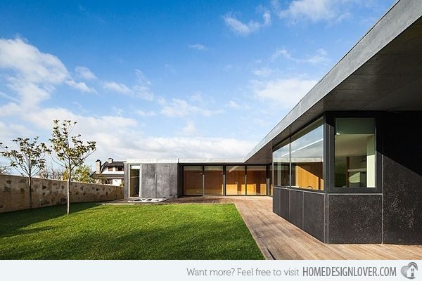 Casa de Mosteiro: A Modern Single Storey Residence in Portugal