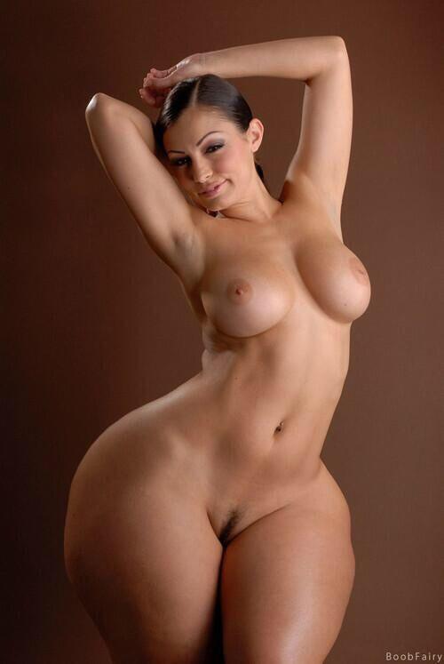 Порно фото с красивыми бедрами