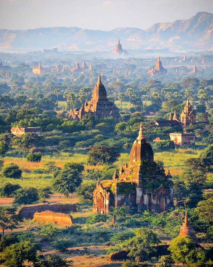 The most magical place I have ever seen: Bagan, Burma (Myanmar) / Hayatımda gördüğüm en büyüleyici yer: Bagan, Burma (Myanmar).