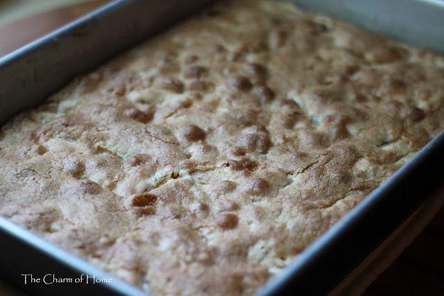 The Charm of Home: Caramel Apple Cake
