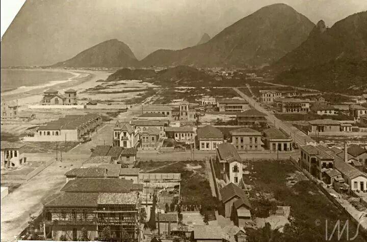 Visão geral de uma inacreditável Copacabana, por volta de 1910.