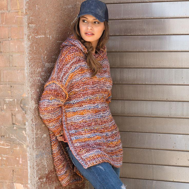 Пуловер-пончо с капюшоном