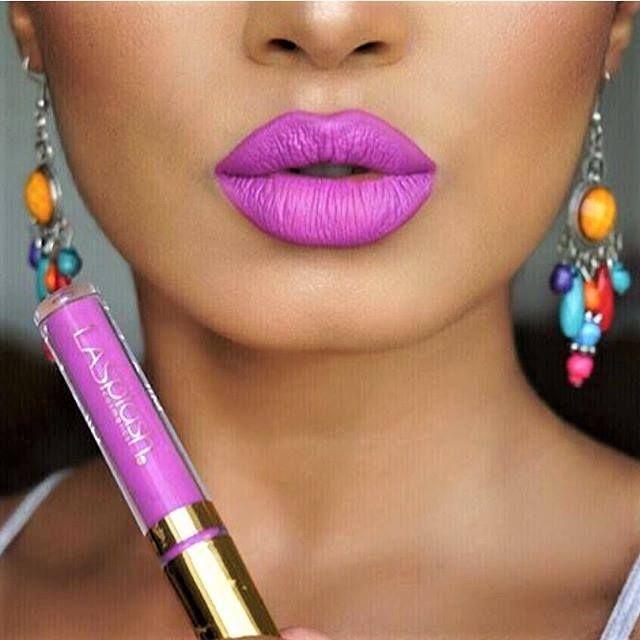 #LipCouture by #LaSplash.. Υγρό #ματ κραγιόν, πλούσιο σε χρώμα που θα αφήσει στα χείλη σου ένα μαγευτικό βελούδινο φινίρισμα. Η διάρκεια του θα σε εκπλήξει, αφού δεν πρόκειτε να το αποχωριστείς παρά μόνο όταν το θελήσεις! 🆕🔝💄❤️ Shop➡️ https://goo.gl/7rqIoF ✔️ *με χαρά να σας εξυπηρετήσουμε για την διευκόλυνση της παραγγελίας σας μέσω μηνυμάτων στα social media μας, ☎210 5710310 #beautytestbox #beautytestboxeshop #mattelips #lipstick #makeup #GreekEshop #cosmetics #beauty #musthave…