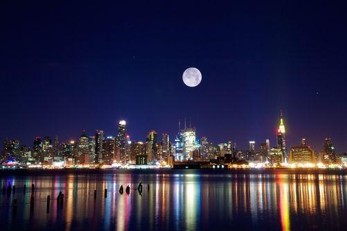 Location: New York City, New York, United States.  Photographer: LORENZO MENENDEZ/National Geographic Creative