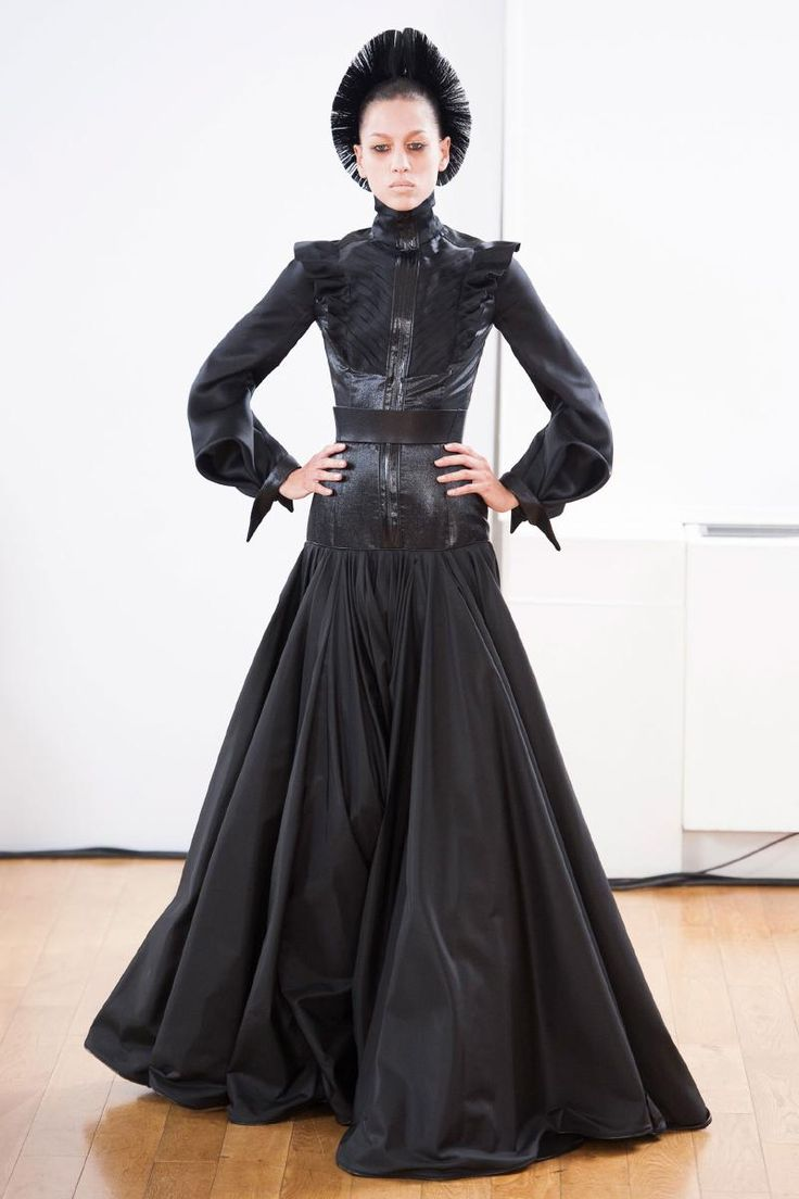 Fall 2013 Couture Julien Fournie Collection  Full romantic sleeves with bustle